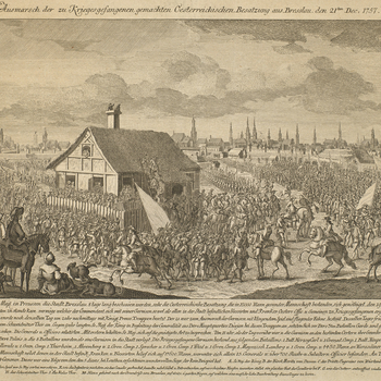 A view of the Austrian garrison marching out of Breslau, having surrendered on 21 December 1757 to the Prussians, who had besieged the fortress since 7 December. Seven Years War (1756-63). Additional text: [below view, a description of the event, together
